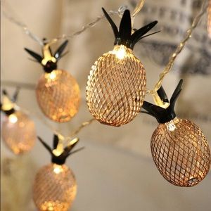 Pineapple string lights gold